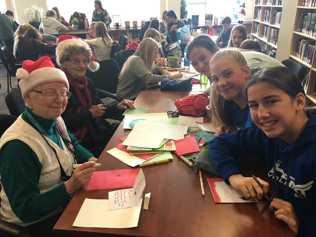 Dorchester Residents Partner with DRK Social Justice Club to Make Cards for the Homeless